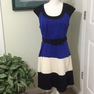 ❤️ NWT Spense sleeveless blue, cream, black dress